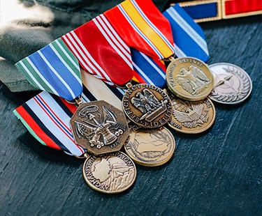 military-medal-rack-builder
